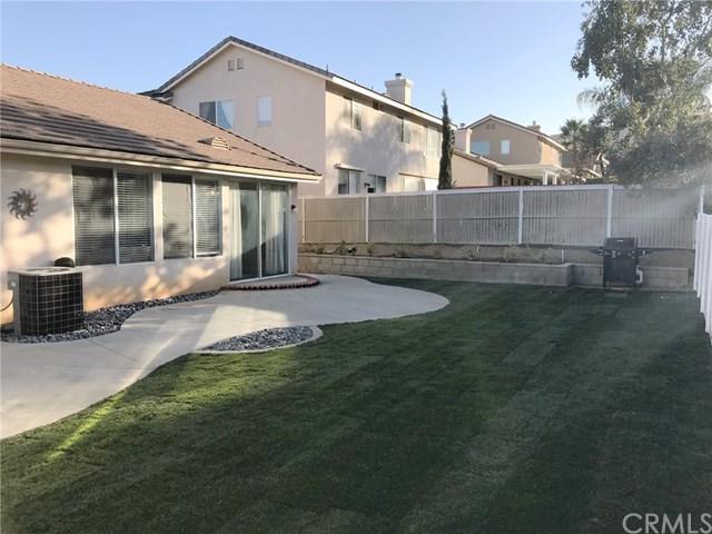 27215 Buffalo, Corona, CA 92883 (#DW17273595) :: Impact Real Estate