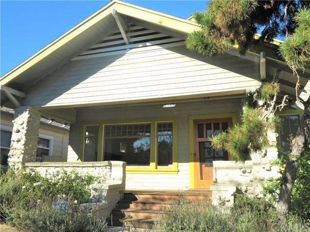 450 W 12th Street, San Pedro, CA 90731 (#PW17270437) :: Lamb Network