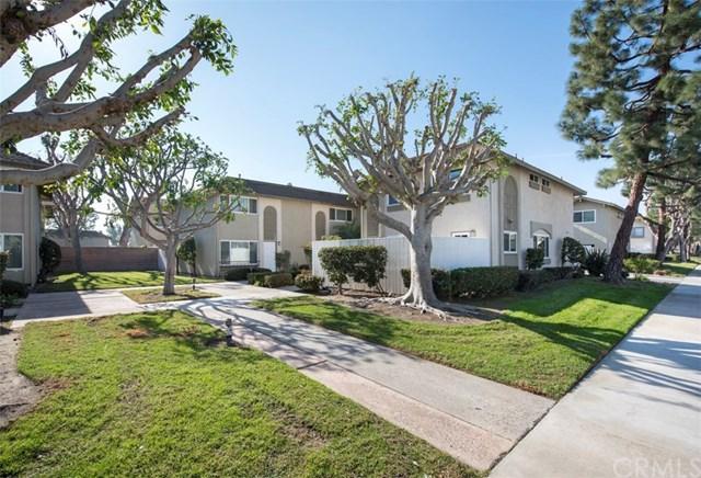 9684 Bickley Drive, Huntington Beach, CA 92646 (#OC17275389) :: DiGonzini Real Estate Group