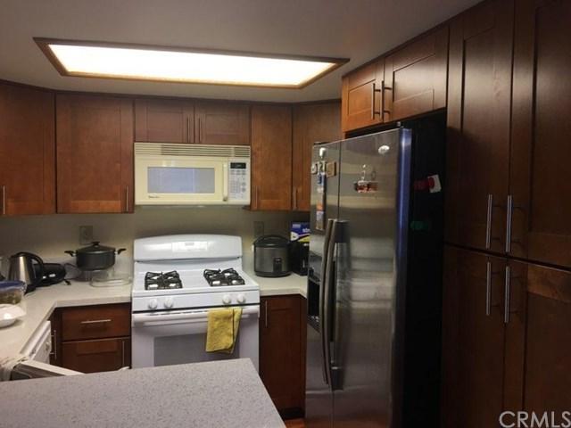 2592 Avenida Del Vista #H101, Corona, CA 92882 (#OC17275386) :: Impact Real Estate
