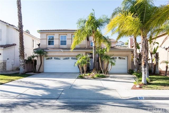 52 Villa Valtelena, Lake Elsinore, CA 92532 (#SW17274559) :: Dan Marconi's Real Estate Group