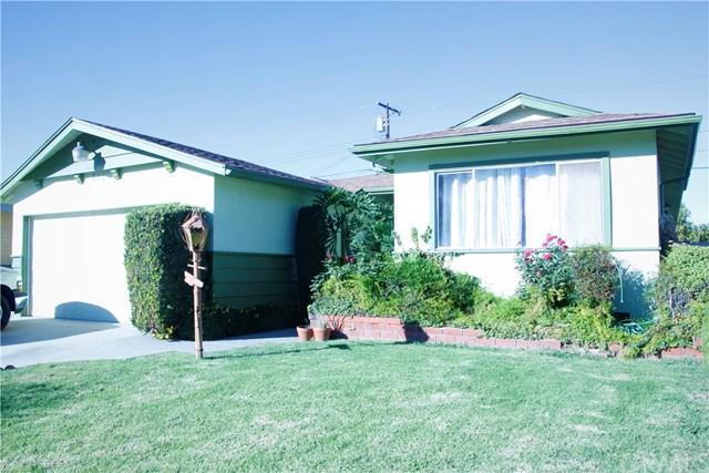335 W 224th Street, Carson, CA 90745 (#SB17275748) :: RE/MAX Estate Properties