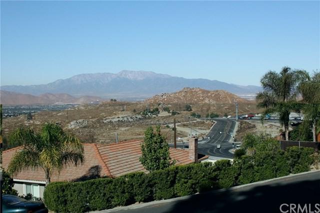1 Westpoint Drive, Riverside, CA 92508 (#IV17275254) :: RE/MAX Estate Properties