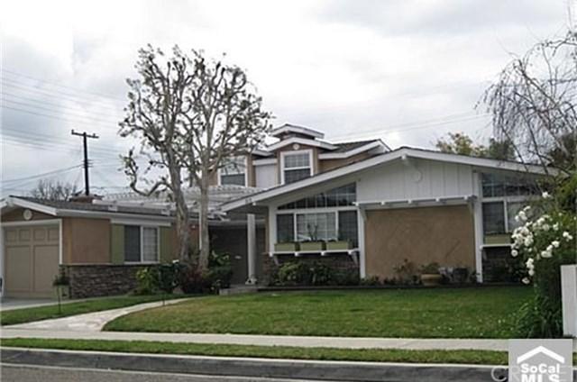 213 Hanover Drive, Costa Mesa, CA 92626 (#SR17275856) :: DiGonzini Real Estate Group