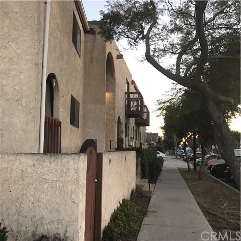 1100 E 4th St Unit Q, Long Beach, CA 90802 (#DW17275952) :: Scott J. Miller Team/RE/MAX Fine Homes