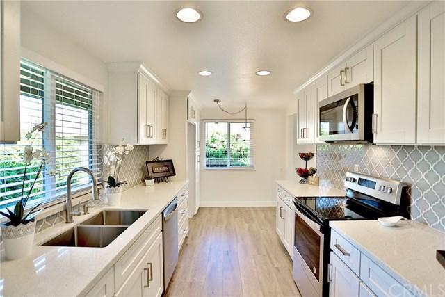 1111 S South Coast Drive D202, Costa Mesa, CA 92626 (#OC17276040) :: DiGonzini Real Estate Group