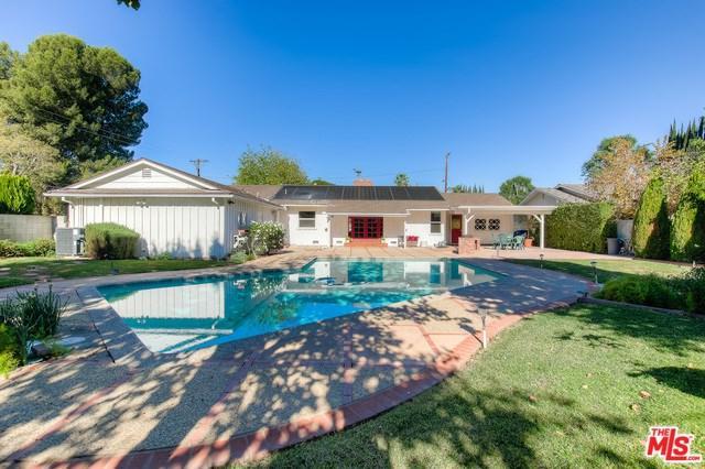 17822 Community Street, Northridge, CA 91325 (#17296928) :: Erik Berry & Associates