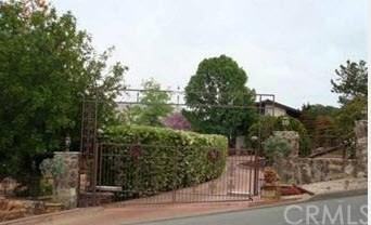 729 Singing Trails Drive, El Cajon, CA 92019 (#OC18000586) :: RE/MAX Masters