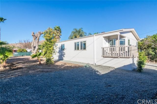 21560 Lime Street, Wildomar, CA 92595 (#SW18008661) :: Kristi Roberts Group, Inc.
