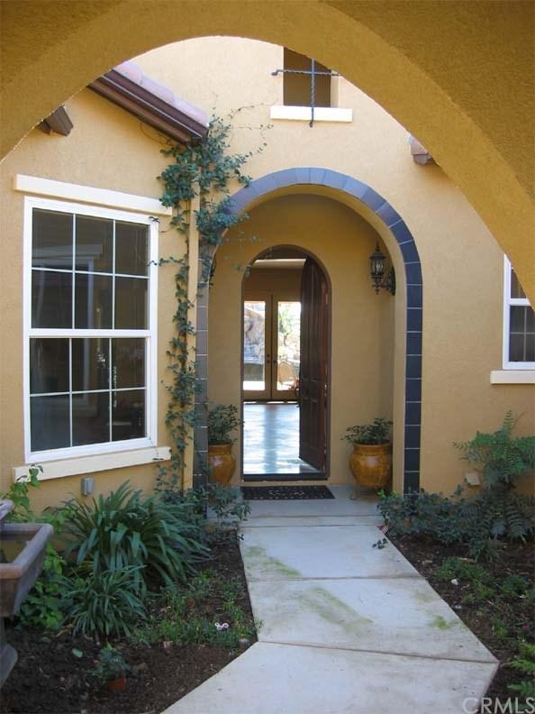 844 Highridge Street, Riverside, CA 92506 (#IV17251483) :: Provident Real Estate
