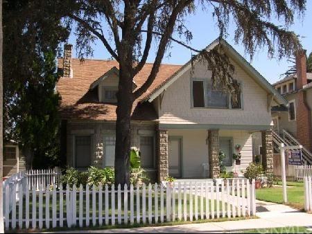 4129 University Avenue, Riverside, CA 92501 (#OC18010613) :: Provident Real Estate