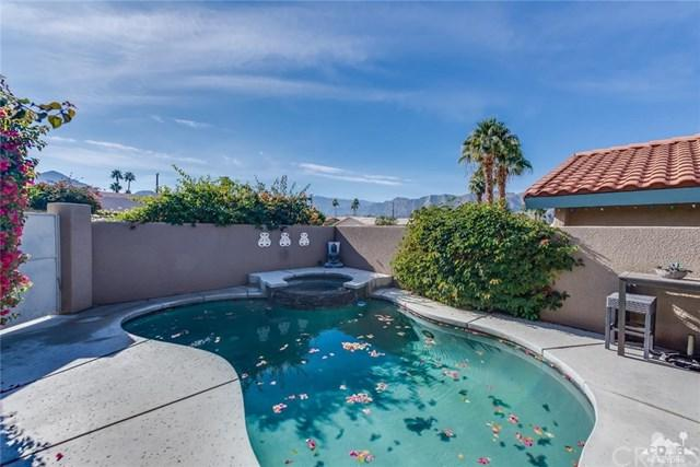 78680 Bottlebrush Drive, La Quinta, CA 92253 (#218000976DA) :: Kristi Roberts Group, Inc.