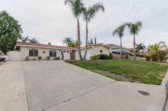 29977 Clear Water Drive, Canyon Lake, CA 92587 (#SW18011408) :: California Realty Experts