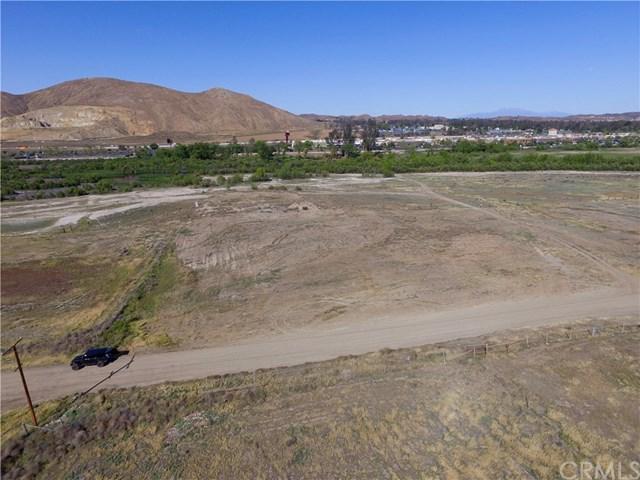 41 Baker, Lake Elsinore, CA 92530 (#LG18013684) :: California Realty Experts