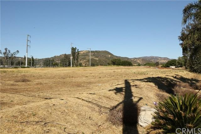 0 Clinton Keith Road, Wildomar, CA 92595 (#SW18014388) :: Lloyd Mize Realty Group