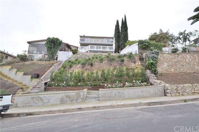 835 W 21st Street, San Pedro, CA 90731 (#SB18005870) :: Kato Group