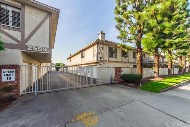 2599 Walnut Avenue #204, Signal Hill, CA 90755 (#SB18010757) :: Kato Group