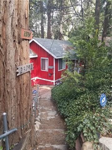 23794 Wildwood Lane, Crestline, CA 92325 (#EV18015042) :: Angelique Koster