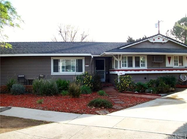20226 Itasca Street, Chatsworth, CA 91311 (#SR18015396) :: The Brad Korb Real Estate Group