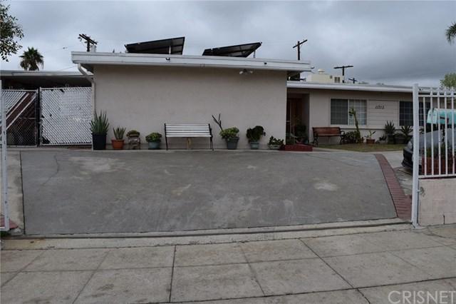 11713 Pearwood Avenue, Sylmar, CA 91342 (#SR18015983) :: The Brad Korb Real Estate Group