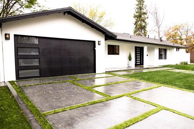 4755 Degovia Avenue, Woodland Hills, CA 91364 (#SR18016426) :: Bauhaus Realty