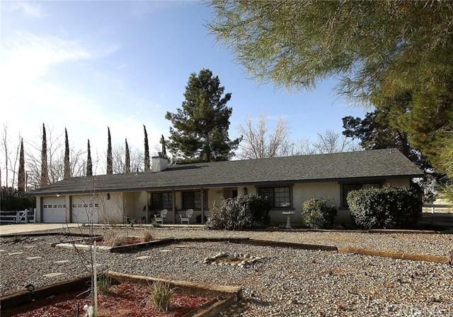 40555 11th Street W, Palmdale, CA 93551 (#SR18016866) :: Bauhaus Realty