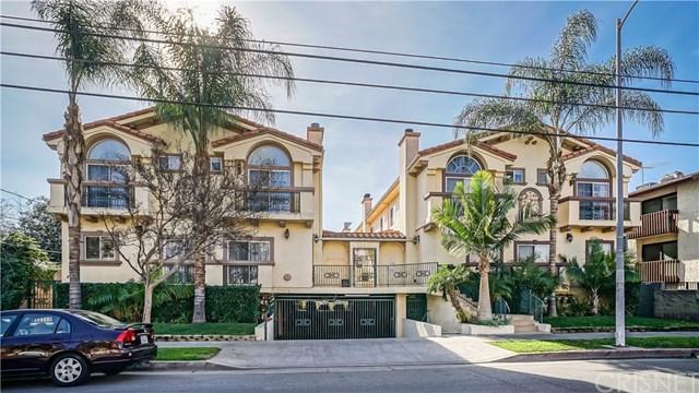 13912 Oxnard Street #8, Valley Glen, CA 91401 (#SR18015100) :: The Brad Korb Real Estate Group