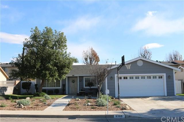 9369 Lemon Street, Fontana, CA 92335 (#IV18016415) :: Cal American Realty