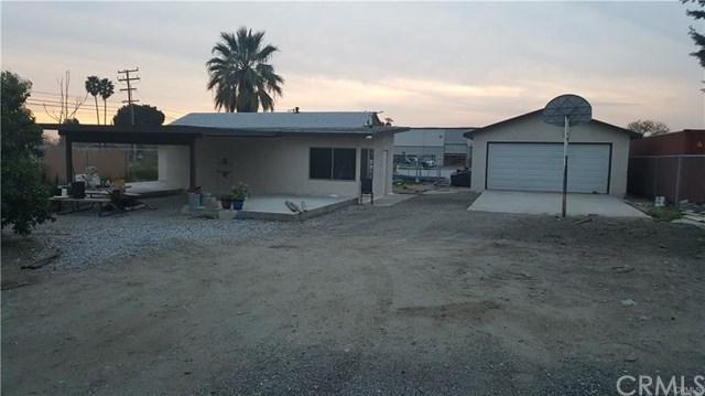 8474 Cottonwood Avenue, Fontana, CA 92335 (#CV18017397) :: Cal American Realty