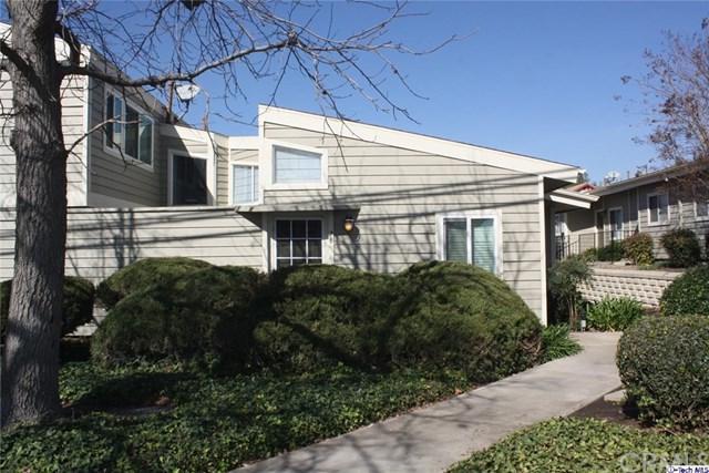 11377 Osborne Place #25, Sylmar, CA 91342 (#318000442) :: Z Team OC Real Estate