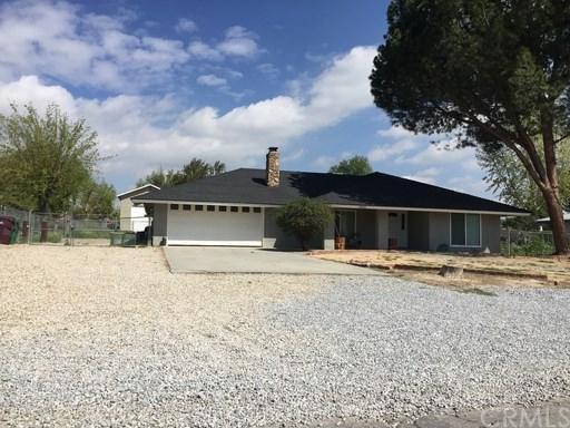 28820 Bay Avenue, Moreno Valley, CA 92555 (#IV18034168) :: The DeBonis Team