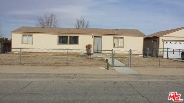 15715 Lanfair Avenue, Lake Los Angeles, CA 93535 (#18313112) :: Z Team OC Real Estate