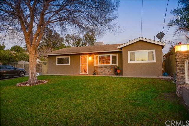 2555 Valley View Avenue, Norco, CA 92860 (#NP18035438) :: The DeBonis Team