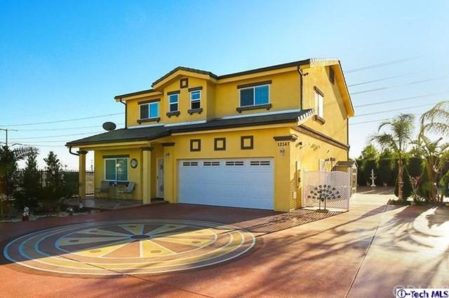 12547 Hunnewell Avenue, Sylmar, CA 91342 (#318000508) :: Fred Sed Realty