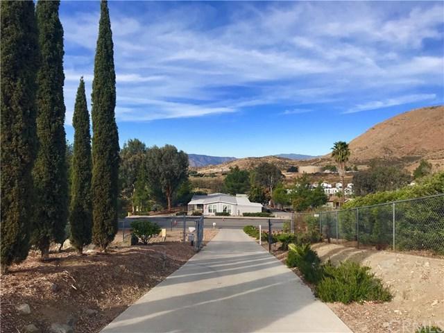 33640 The Farm Road, Wildomar, CA 92595 (#SW18037847) :: Realty Vault