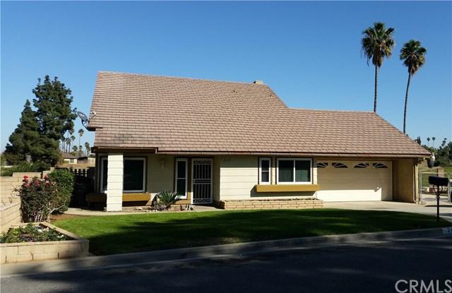 2131 Pine Crest Drive, Corona, CA 92882 (#PW18037993) :: The DeBonis Team