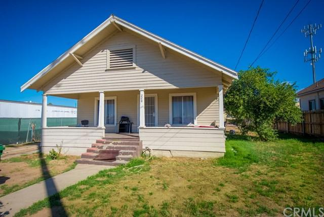 228 Prospect Avenue, Riverside, CA 92507 (#IV18038230) :: The DeBonis Team
