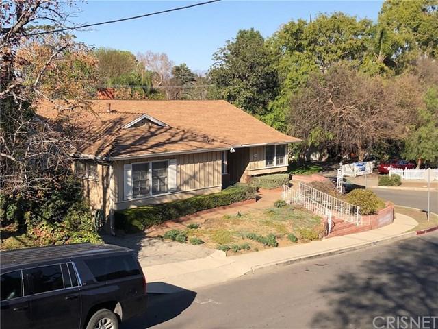 12031 Mound View Place, Studio City, CA 91604 (#SR18037545) :: The DeBonis Team