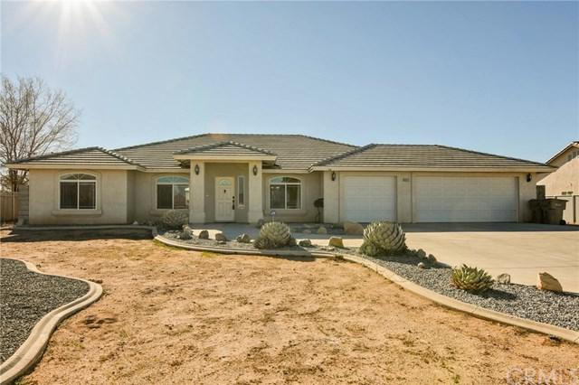 8016 Langdon Avenue, Hesperia, CA 92345 (#EV18037879) :: Z Team OC Real Estate