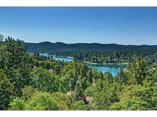 27613 Alpen Drive, Lake Arrowhead, CA 92352 (#EV18041282) :: Angelique Koster