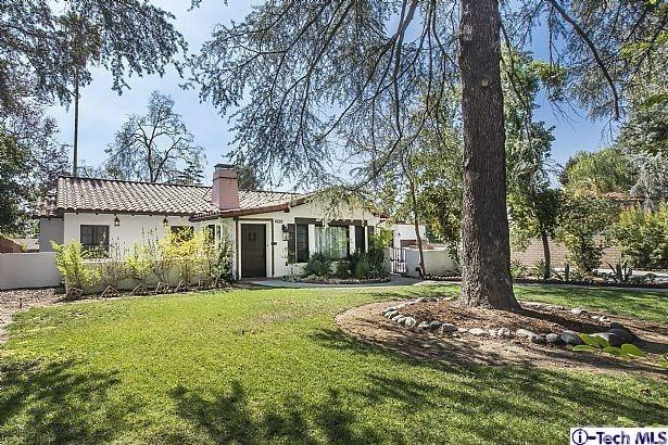 1040 E Woodbury Road, Pasadena, CA 91104 (#318000658) :: Mainstreet Realtors®