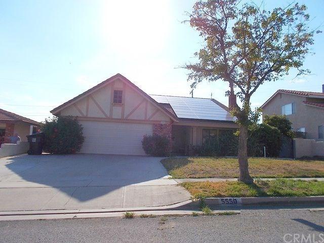 5550 N D Street, San Bernardino, CA 92407 (#EV18041787) :: The DeBonis Team