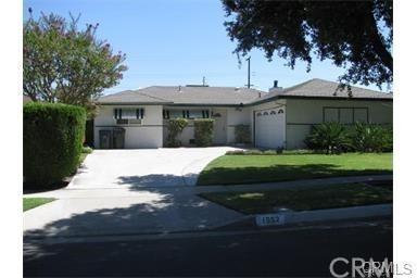 1552 Lassen Street, Redlands, CA 92374 (#CV18042121) :: The DeBonis Team