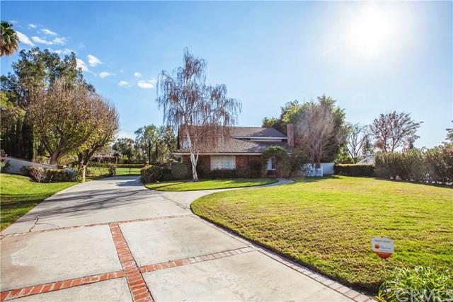 1400 Treeview Lane, Riverside, CA 92506 (#CV18042129) :: Dan Marconi's Real Estate Group