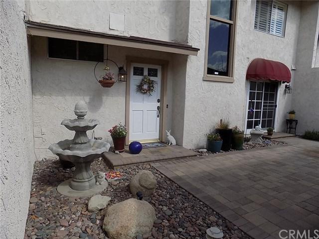 2665 Mangrove Way, Riverside, CA 92506 (#IV18041558) :: Dan Marconi's Real Estate Group