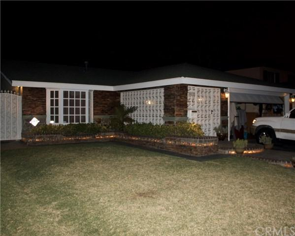 20122 Tillman Avenue, Carson, CA 90746 (#IN18043383) :: Kato Group