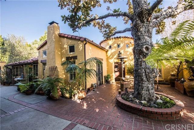 10431 Whipple Street, Toluca Lake, CA 91602 (#SR18043403) :: Dan Marconi's Real Estate Group