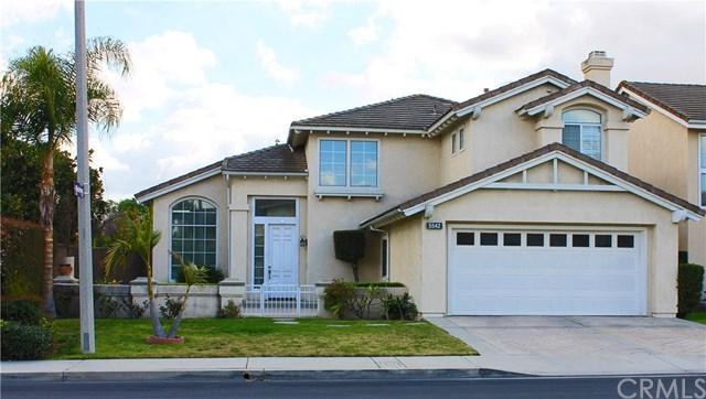 5542 Samantha Avenue, Lakewood, CA 90712 (#PW18042433) :: Kato Group