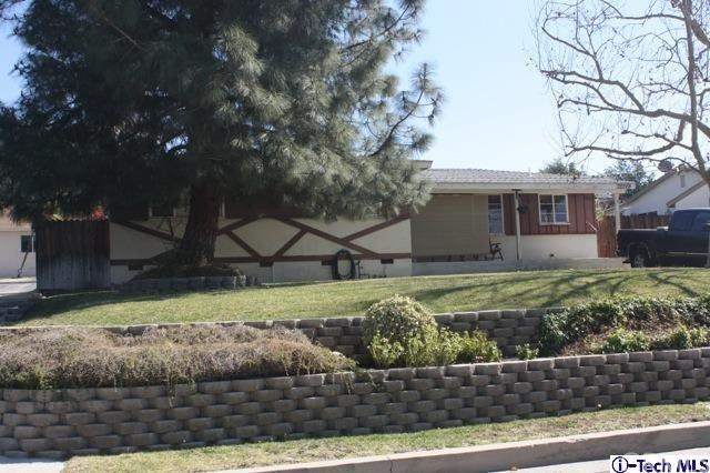 10844 Woodward Avenue, Sunland, CA 91040 (#318000719) :: Realty Vault