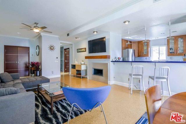 1516 Pacific Coast Highway #201, Huntington Beach, CA 92648 (#18317756) :: Z Team OC Real Estate